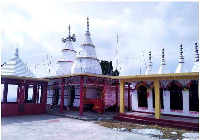 इस मंदिर पर आज भी गुरु गोरखनाथ साक्षात रहते हैं