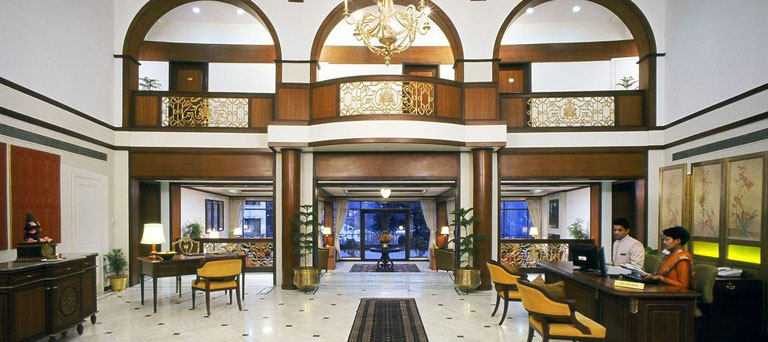 नैनीताल 96 कर्मचारियों को होटल आने पर पाबंदी