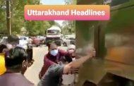 आक्सीजन टैंकर के रास्ते में खराब ट्रक को धक्का लगाते विधायक(Video)